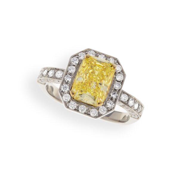 Anello diamantato
